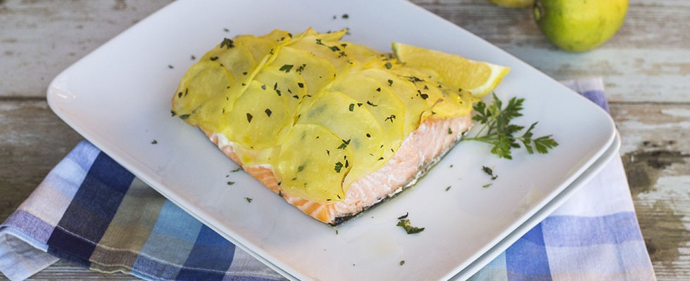 salmone-in-crosta-di-patate2-980×400
